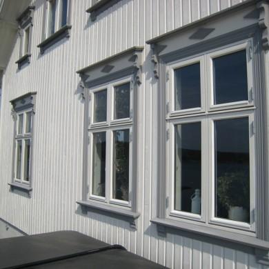 Fasade med isoler-vindu