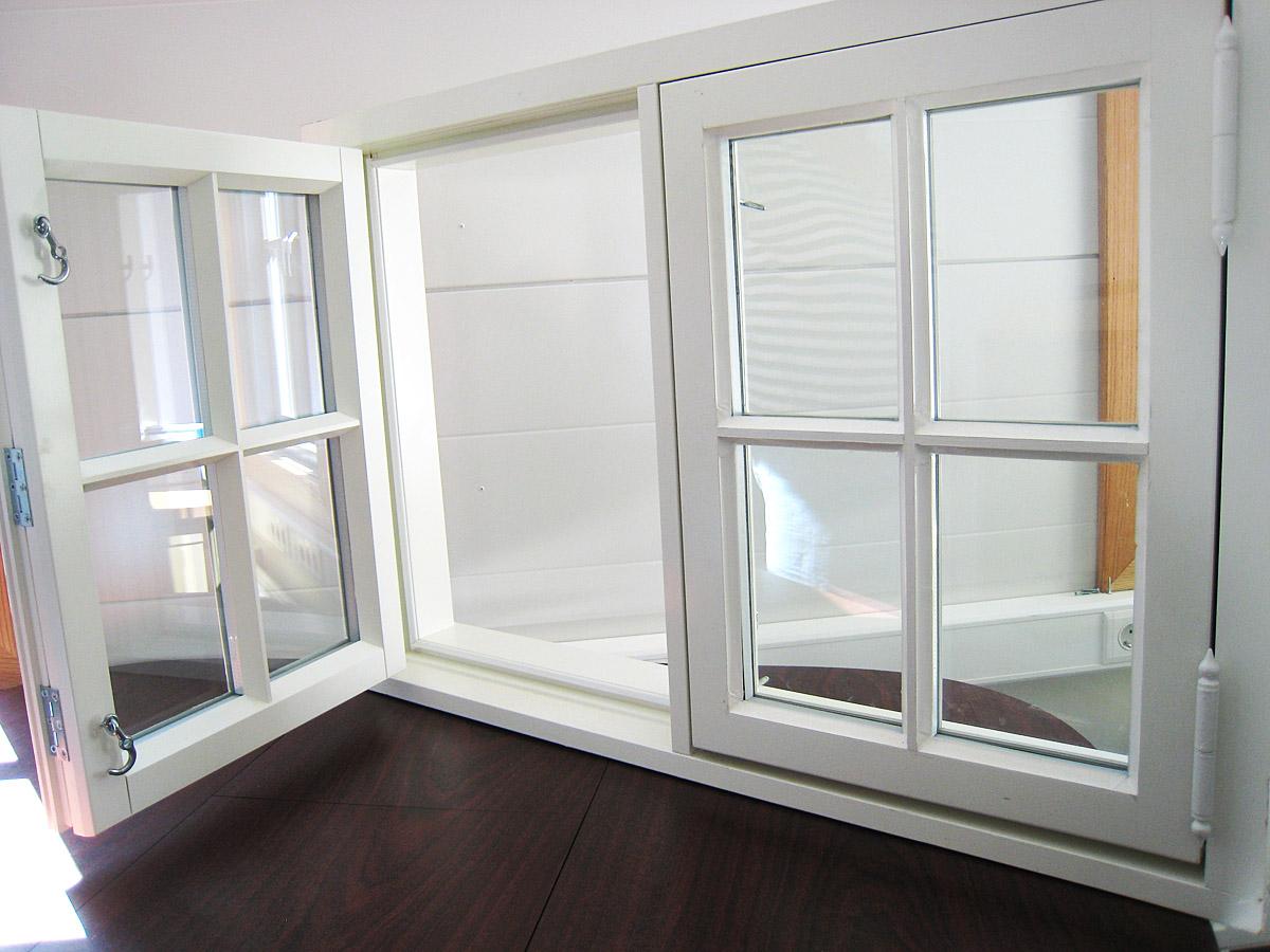 Solfjeld vindu med isolerglass og kittfals samt linjeprofil. Et spesialvindu fra Solfjeld AS